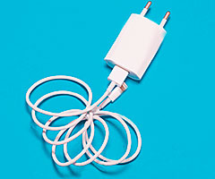 Зарядные устройства, кабели